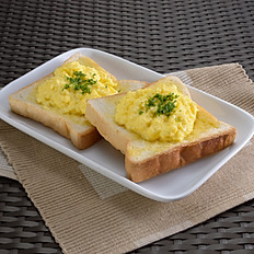 Toast with Cheezy Scrambled Eggs