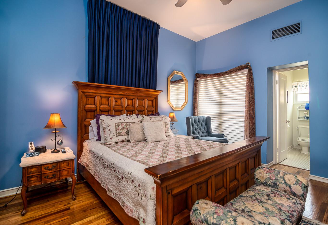 Nick Anthony room