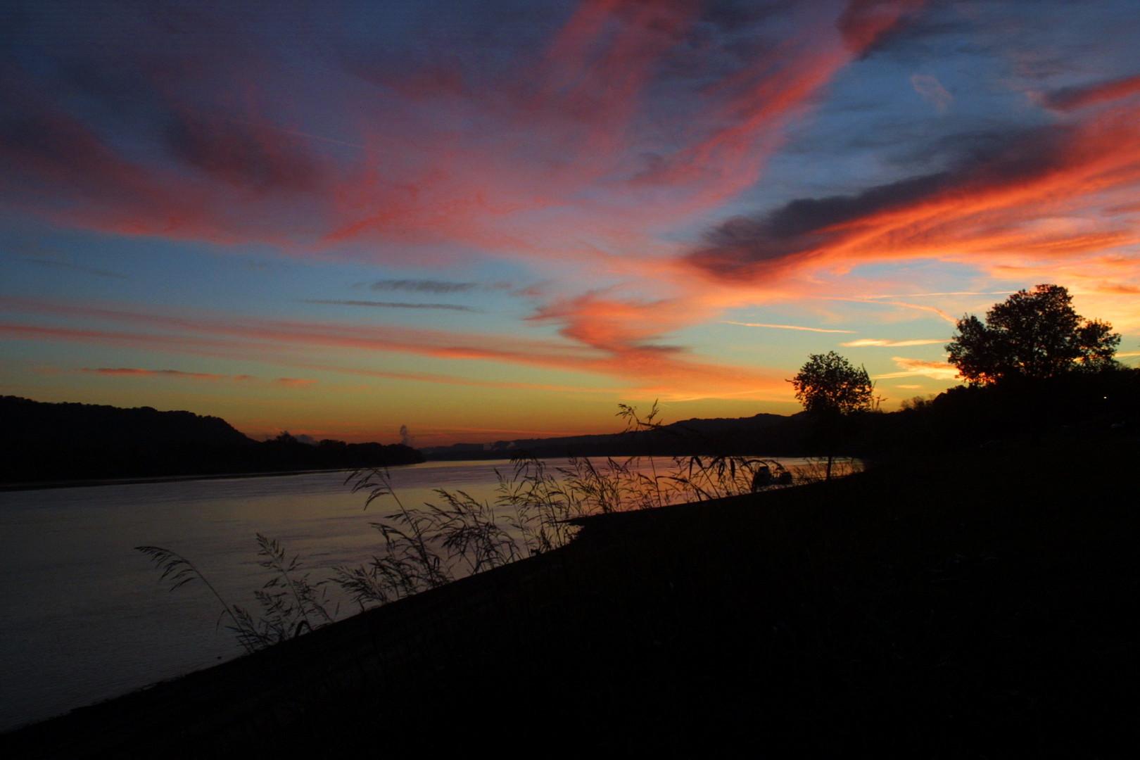 sunrise 10-11-04.jpg