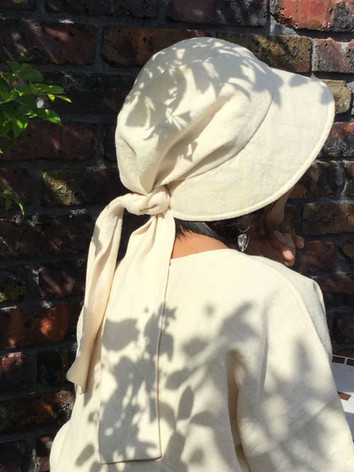 後リボン帽子