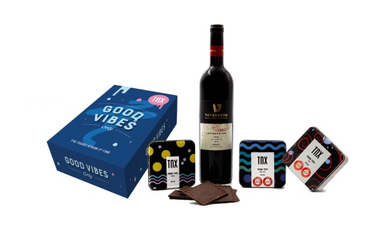 מארז שוקולד ויין לכשר לפסח לעובדים עם ערך מוסף