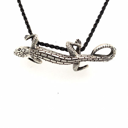 Sterling silver lizard and chain