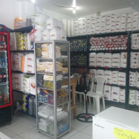 Local de productos plásticos en Guayaquil