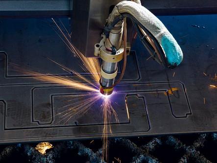 TAGLIO PLASMA: il procedimento per tagliare l'acciaio ed altri metalli