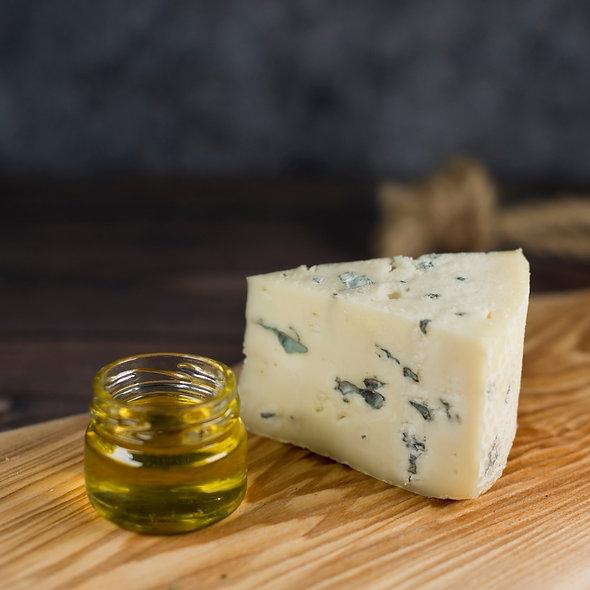 Марбл Блю — сыр с голубой плесенью, кусок 150г
