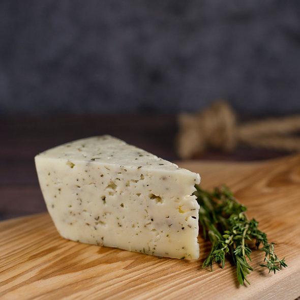 Монкле́р Тоска́н — сыр выдержанный, с итальянскими травами, кусок 150г