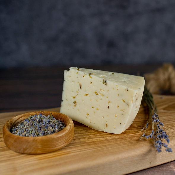 Монкле́р Прова́нс — сыр полутвёрдый, выдержанный, с лавандой, кусок 150г