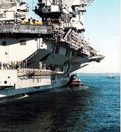 Eliot w USS JFK 02_edited