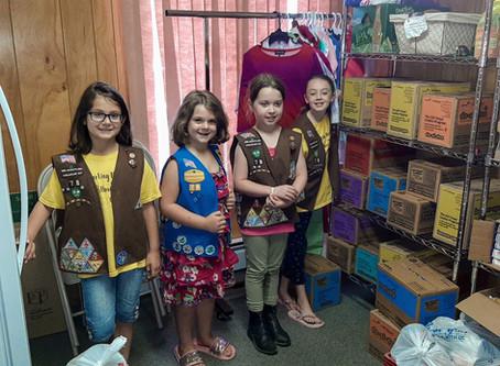 Brownie Troop 78 Donates to Middletown