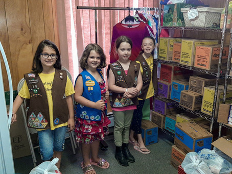 Brownie Troop 78 Donates to Middletown