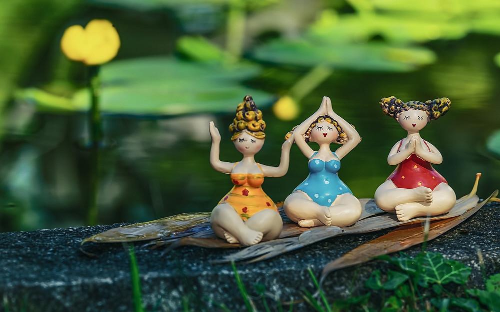 3 femmes en méditation