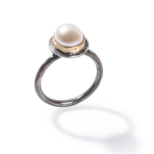Simple Pearl Ring Close.jpg