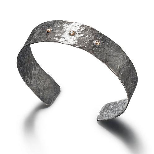 Oxidized Cuff with diamonds