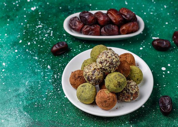 homemade-healthy-vegan-raw-energy-truffl