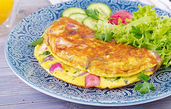 omelette-with-onion-fresh-salad.jpg
