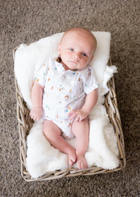 Owen One Month-86.jpg