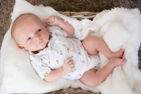 Owen One Month-106.jpg