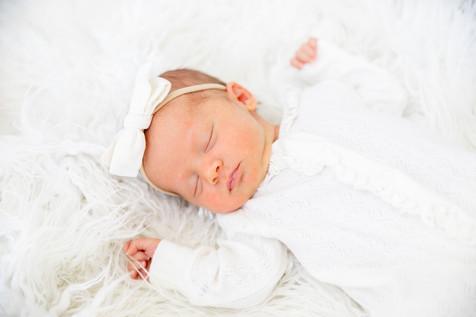 Eleanor Newborn-5.jpg