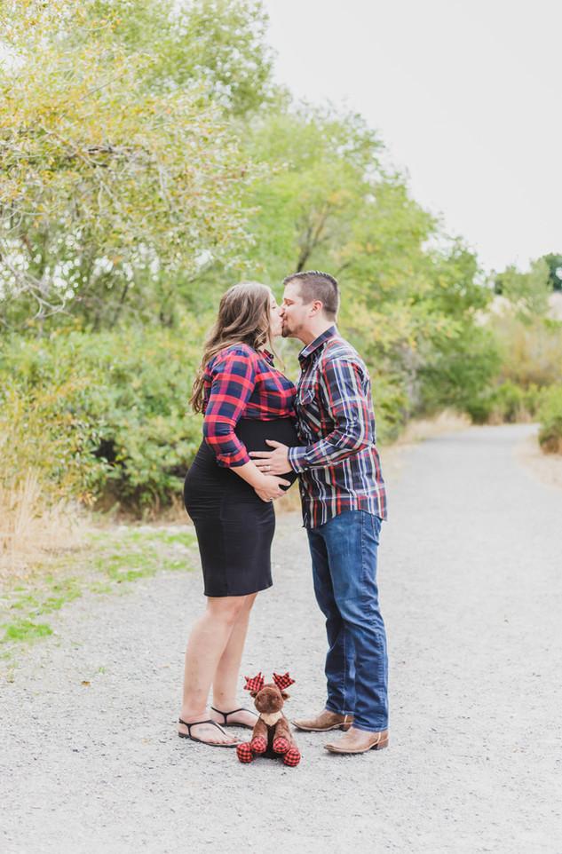 Cottonwood Heights Maternity Photos | Utah Maternity Photographer