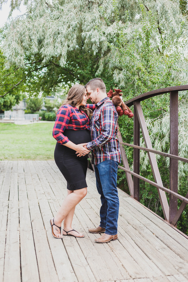 Cottonwood Heights Maternity Photos | Utah Maternity Photographer