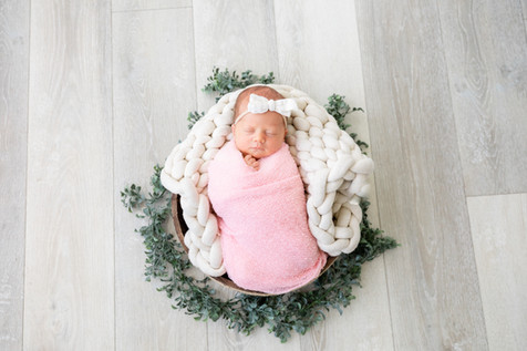 Eleanor Newborn-74.jpg