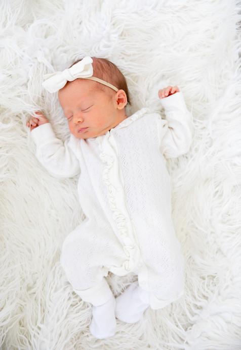 Eleanor Newborn-1.jpg