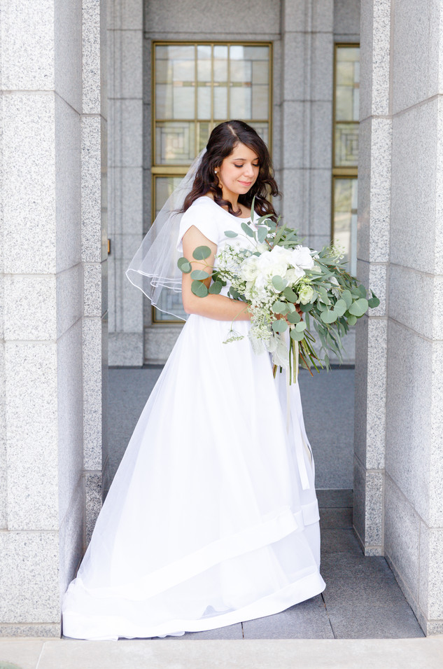 Draper Temple Wedding | Utah Wedding Photographer