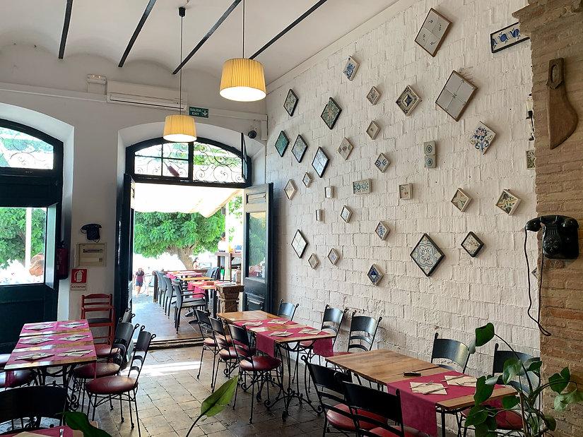 Losai Dinning Area
