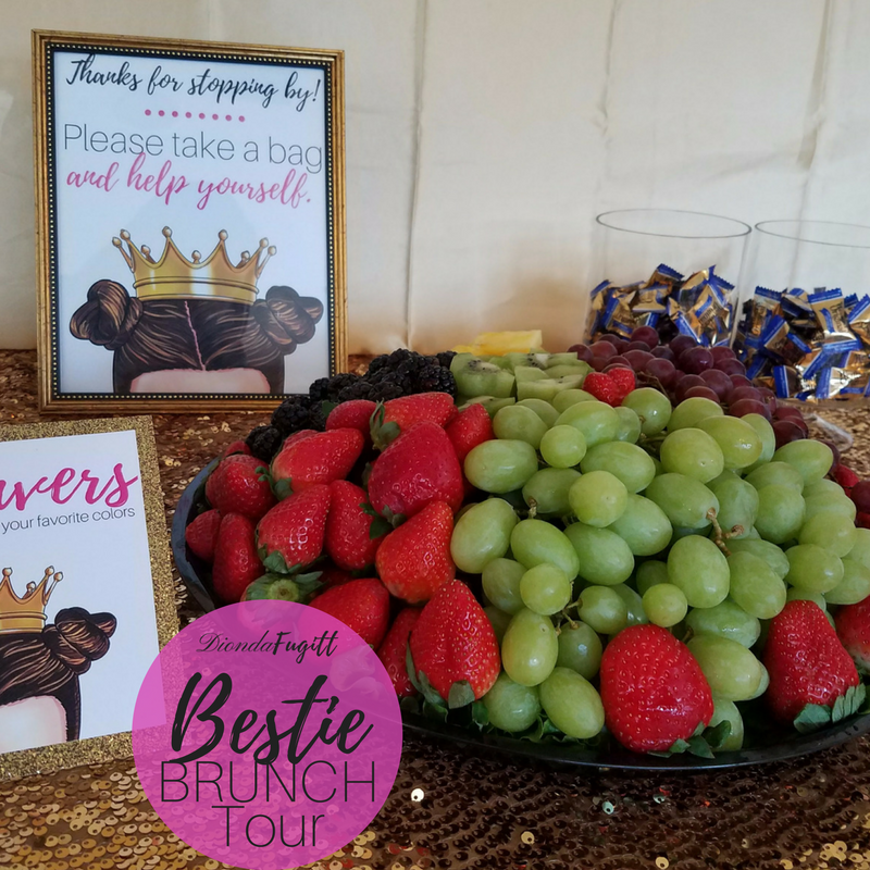 Doesn't this fruit platter look delicious?