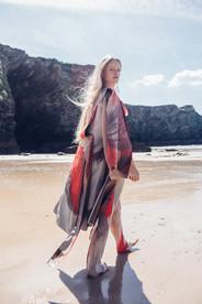 Beach, Jade Berry, Dreamingless Magazine 2019.jpg