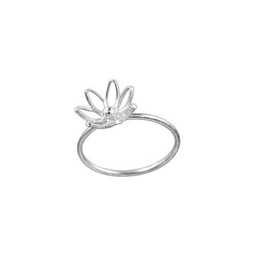 पुष्प Puspa - Ring Sample (Unhallmarked)