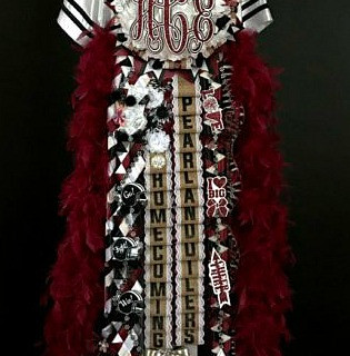 pearland homecoming mum.jpg
