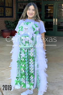 pearsall triple homecoming mum.jpg