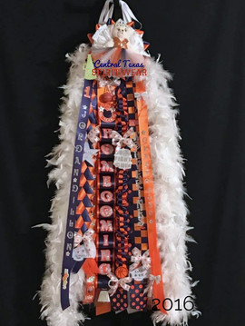 single homecoming mum