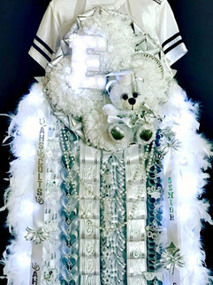 senior homecoming mum.jpg