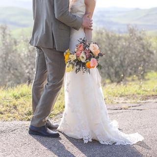 Silvia Valli - Abito da sposa ricamato - dettaglio pizzo fiori applicati