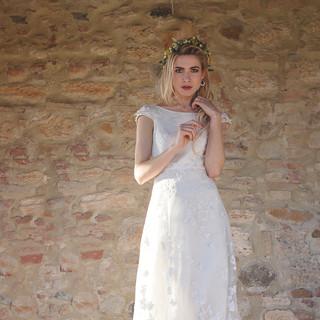 Silvia Valli Abito da sposa ricamato in organza di seta pura e fiori applicati