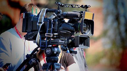 cinematographer-2808321_1280.jpg