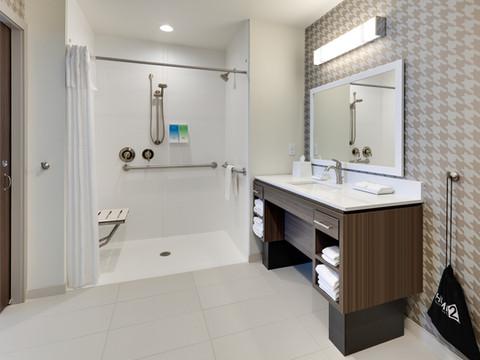 YKMWAHT_walk-in-shower-RM124-low res.jpg