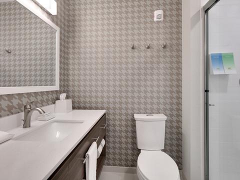 YKMWAHT_standard-bath-shower-RM126-low r