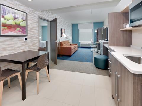 YKMWAHT_double-queen-1-bedroom-suite-RM4