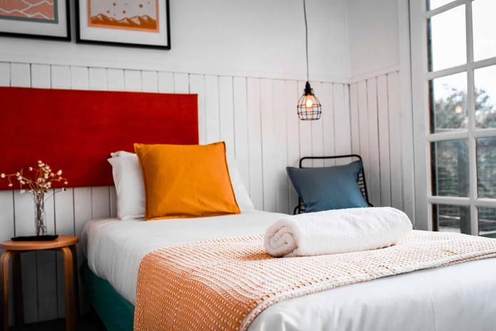 East-Lake-Travellers-Lodge-Single-Bed.jp