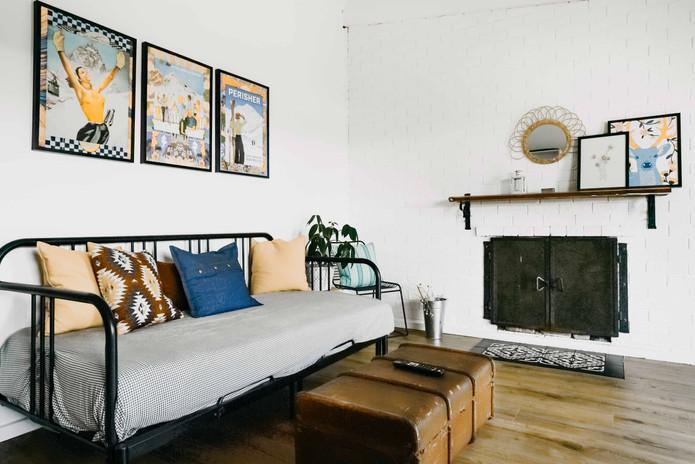 East-Lake-Travellers-Lodge-Apartment-Liv