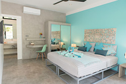 Lagoon blue bedroom - Twin or King size bed