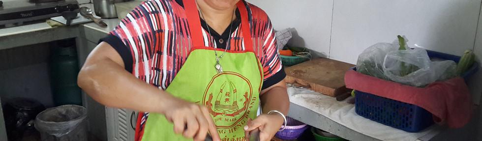 Nee Thai cooker