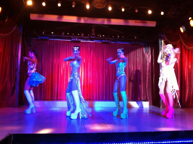 Paris folies cabaret