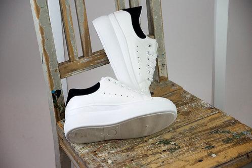 Classic Plateau Sneaker