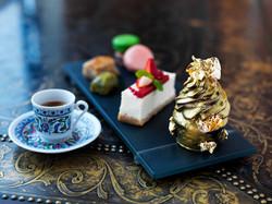 Jumeirah_Zabeel_Saray_-_Sultan_s_Lounge_-_Cakes.jpg