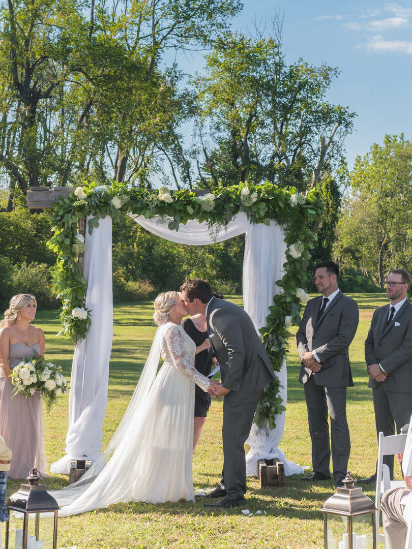 photography - Sherry Smith Photography venue - Burning Kiln Winery - Turkey Point, ON decorator - Creative Country Designs