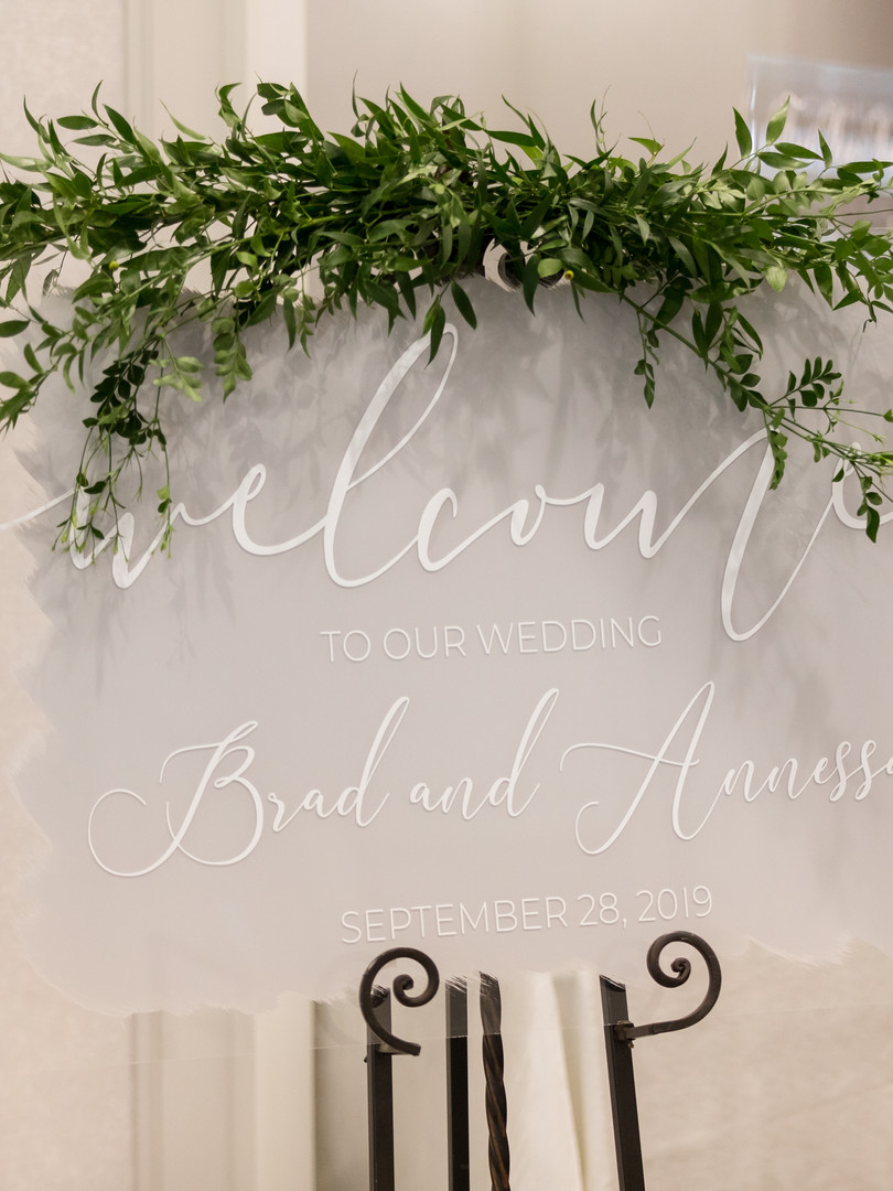 photographer - Splash Photography venue - Monthill Golf and Country Club decorator - Creative Country Designs